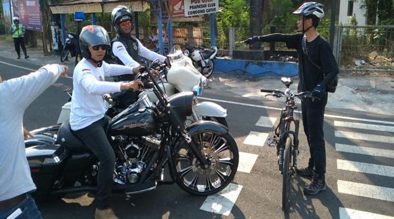 Aksi Pesepeda Hadang Konvoi Harley-Davidson di Sleman Hebohkan Dunia Maya