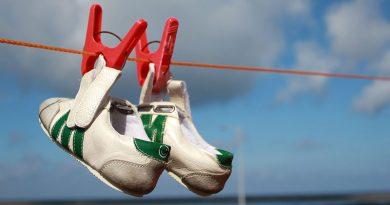 Cleanique Laundry Sepatu Kalimulya Depok Bikin Sepatu Rusak dan Tidak Mau Tanggung Jawab