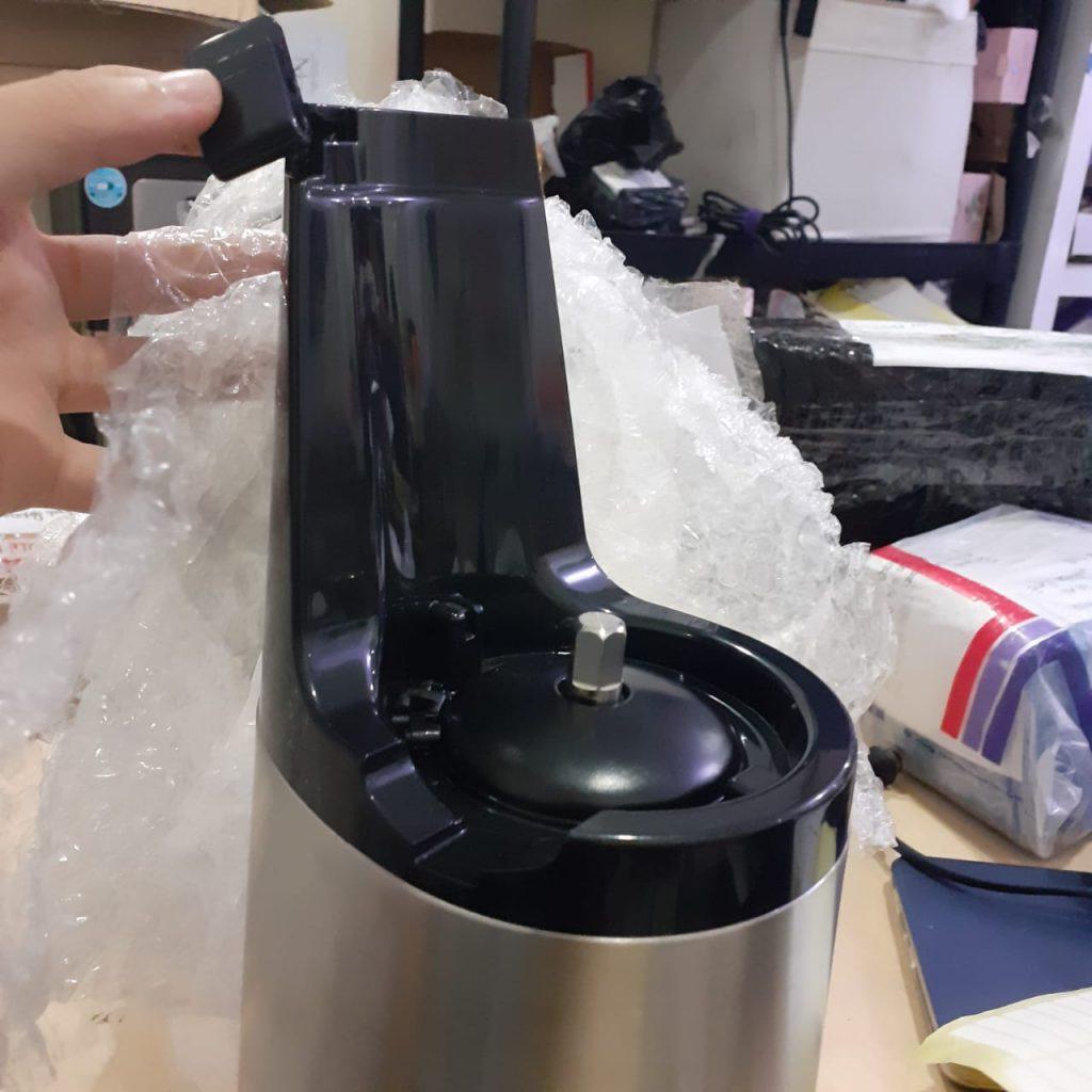 Juicer patah ketika kirim servis